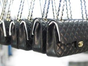 Storia di una borsa leggendaria: la Chanel 2.55.