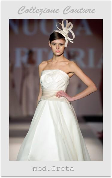 Collezione Couture: modello Greta. Abiti per la sposa classica.