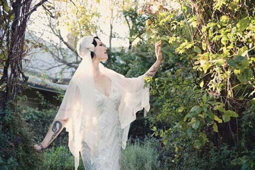 sposa in abito stile anni '20