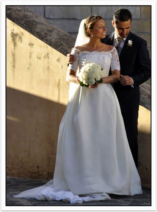 abito da sposa in pizzo e organza