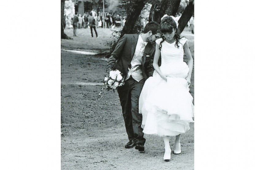 Anna in abito da sposa mod. Jacqueline