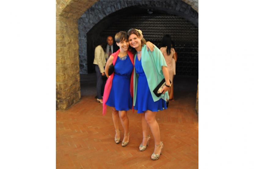 Francesca e Giulia indossano abiti coordinati