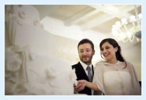 Le mantelline si riconfermano come importante accessorio per gli abiti da sposa.