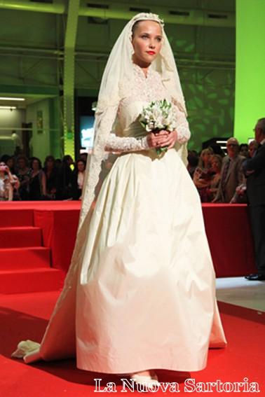 imitazione dell'abito da sposa di Grace Kelly