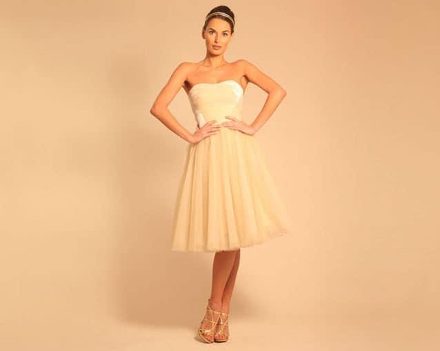 sposa abito dorato corto