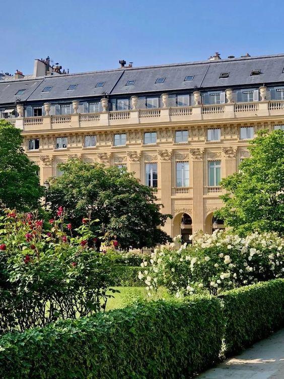 palais royal parigi