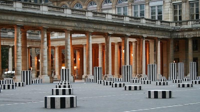 palais royal colonne di buren